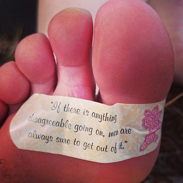 C mo curar las ampollas en los pies iperegrinos - Como mantener los pies calentitos ...